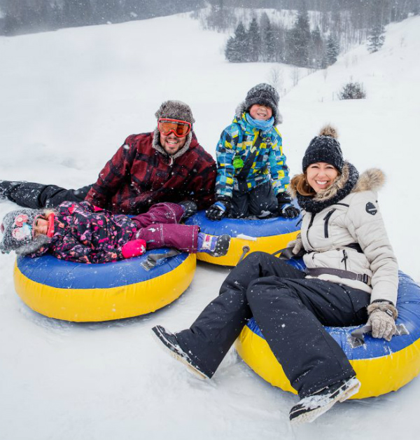 Photo : With Family Snow Tubing Package