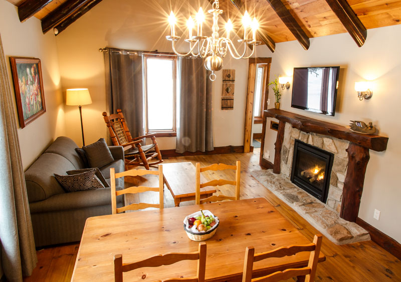 chalet-1-chambre-foyer - Royal Laurentien