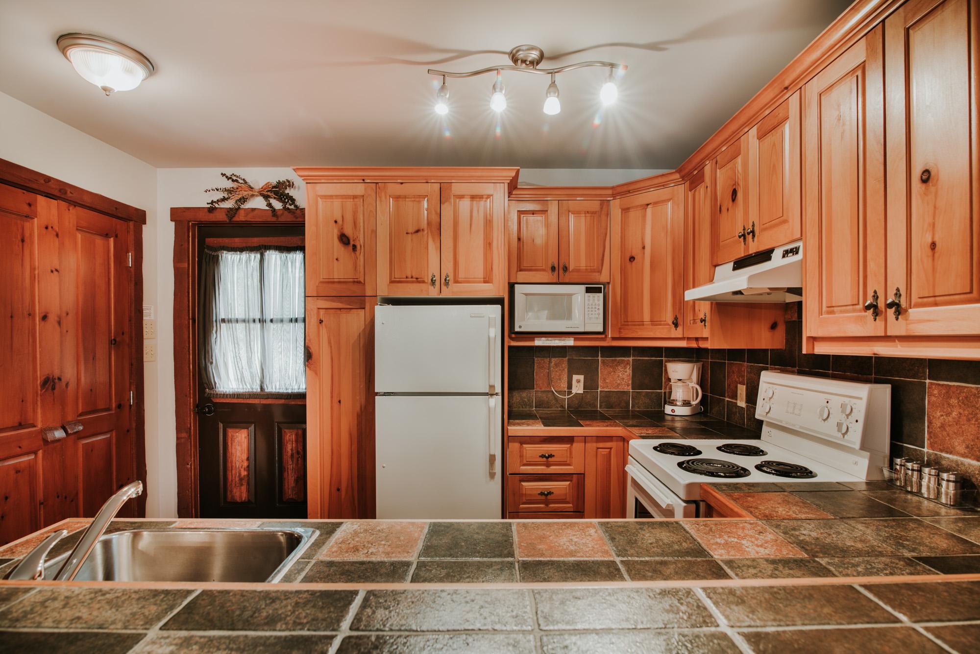 Une chambre cuisine 2 web royal laurentien - Une royale en cuisine ...