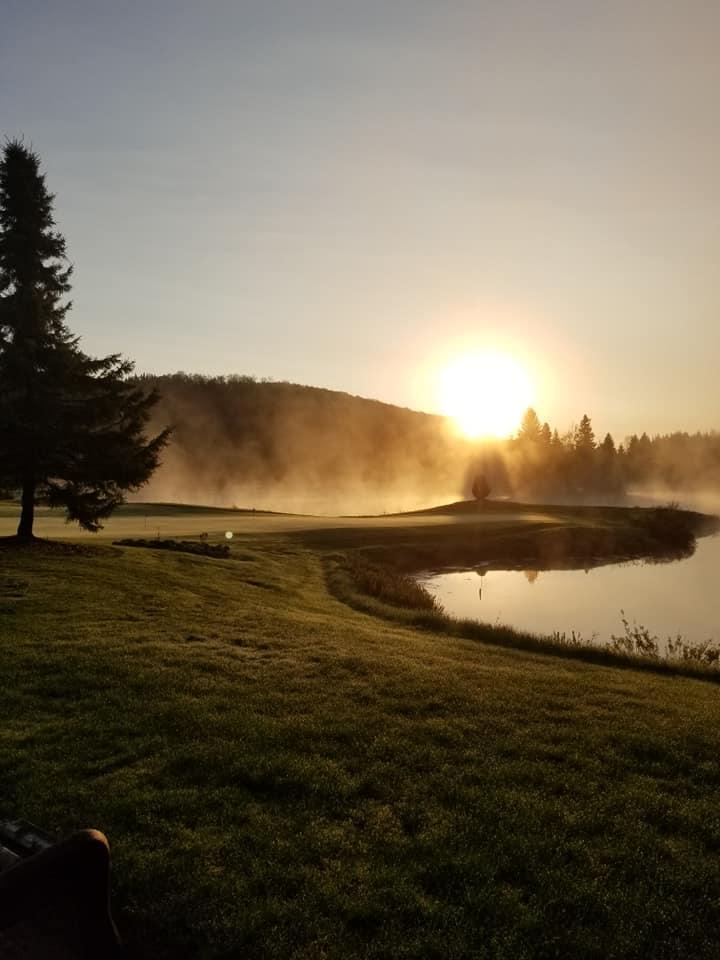 Golfez tôt le matin, Royal Laurentien levée de soleil